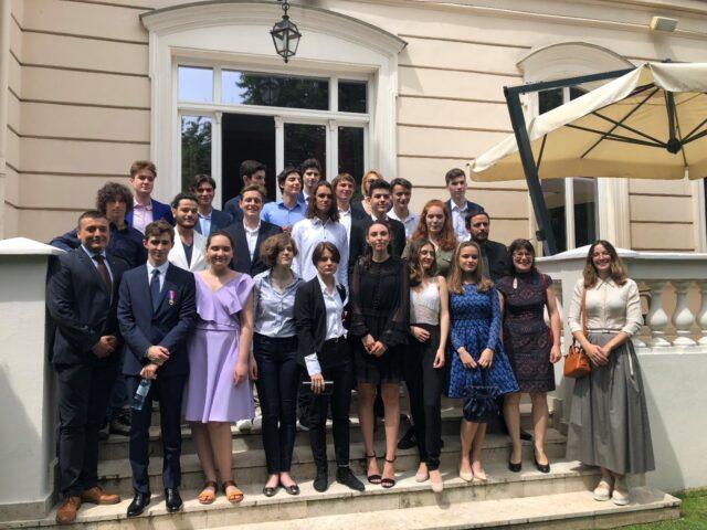 Cérémonie de remise des diplômes du Baccalauréat à l'Ambassade de France en Roumanie